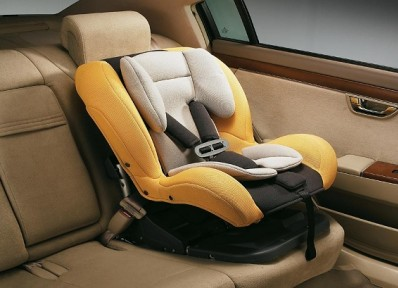 儿童坐汽车后排真的安全吗?美国会要求车企给答案
