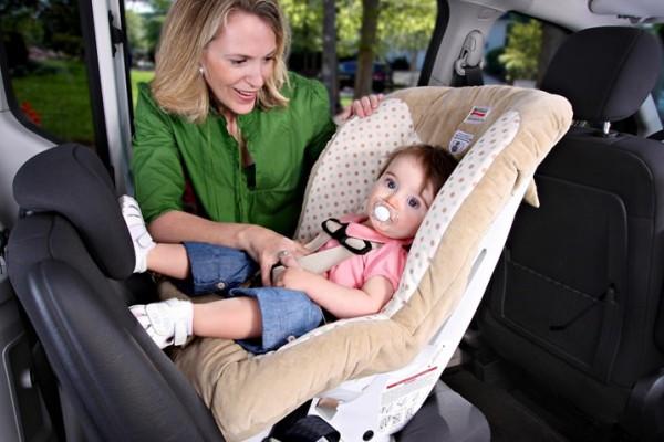 汽车安全:儿童安全座椅 正确安装很关键