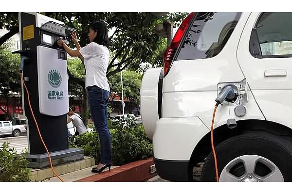 助力新能源汽车 南昌新停车场要配套充电设施
