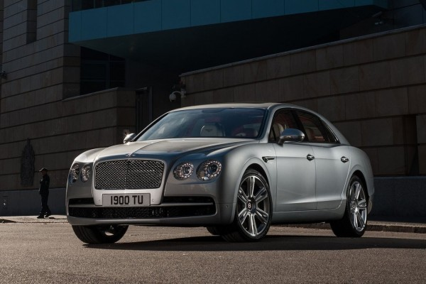 Bentley-Flying_Spur_V8-2015