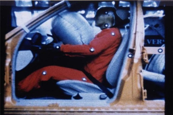 气囊并不安全 汽车营销莫要误导消费者