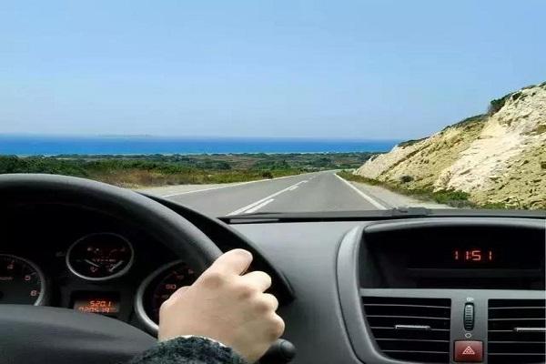 这8条开车习惯一定要改!不仅容易损坏汽车还危