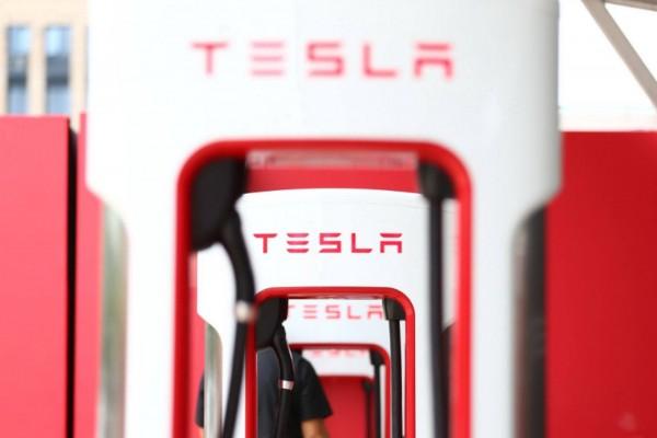 特斯拉欲在华再建 1000 座充电站