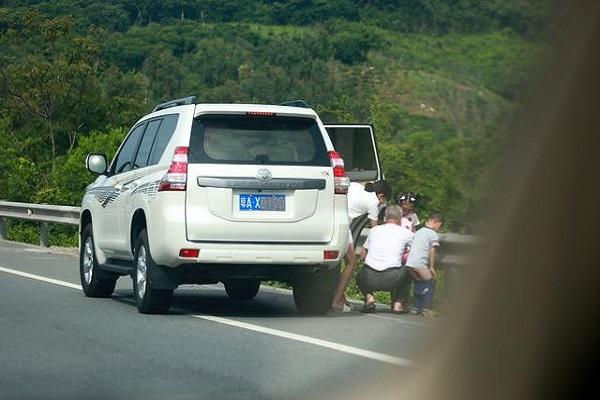 高速上容易丢命的5个标线,多数车主不认识!