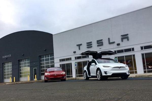 特斯拉将在家得宝零售店销售太阳能电池板和能源