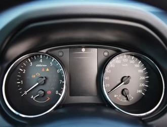 开车的一个小动作,安全系数增高