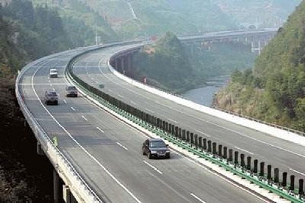"""高速公路""""区间测速""""需谨慎,不想被扣分的赶快"""