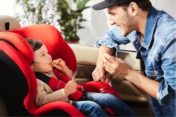 汽车安全座椅怎么选,来不及解释了快上车!