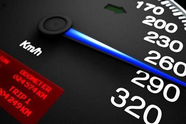 汽车速度超100,车上哪些功能会失效?