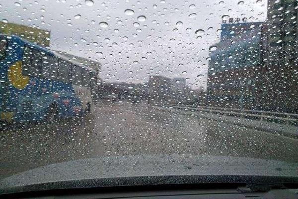 再也不用担心雨天驾驶了,老司机教你处理后视镜