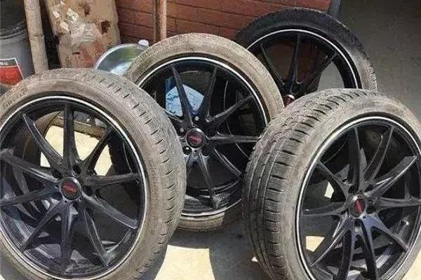 大轮毂薄轮胎和小轮毂厚轮胎有什么区别?哪个好