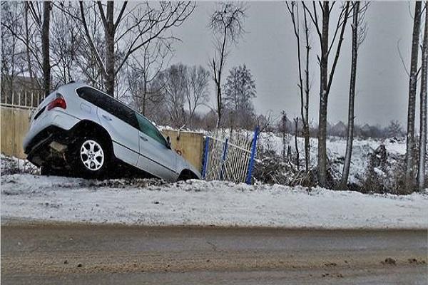 开车出事故后第一个电话该打给谁打?新手应该知