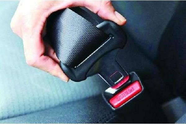 新手必读:汽车安全带的正确使用方式!