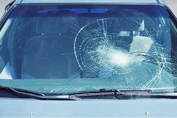"""看完汽车玻璃的""""前世今生""""才知道,原来还有这么多门道呢!"""