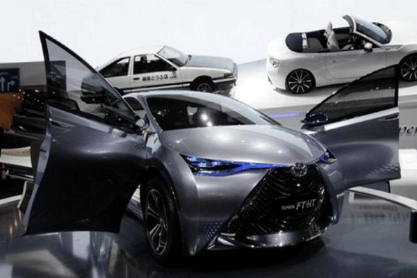 丰田推出新款概念车, 造型很科幻, 车内配备6座