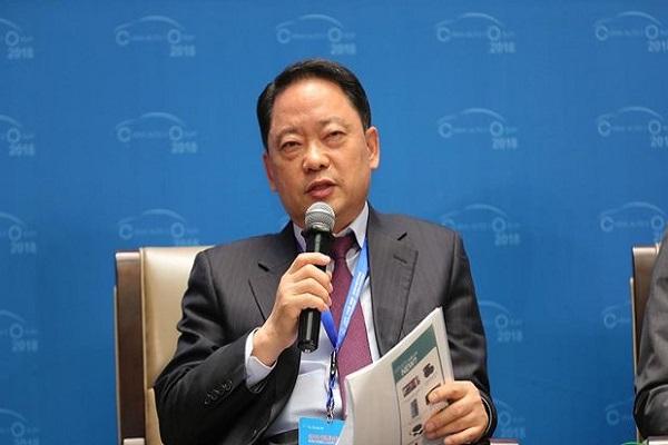 金泰年:后补贴时代,新能源汽车发展瓶颈与解决方案