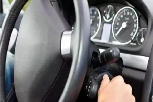 驾驶途中遇熄火,你怎么操作?