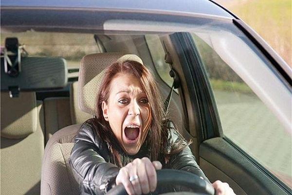 想成为老司机,就要看新手的4大驾驶技巧!
