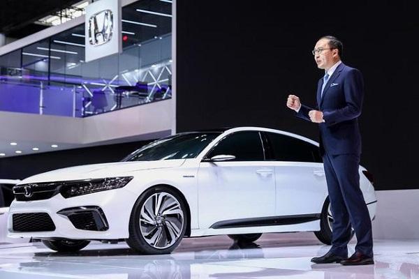 本田最强新车,配2.0T加10AT,混合动力必然超雅阁