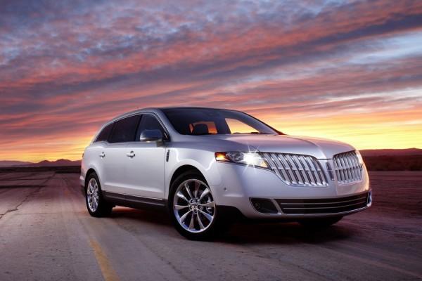 Lincoln MKT (2010)