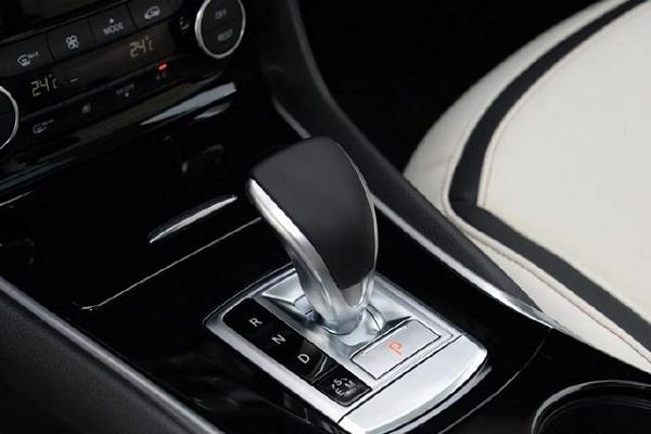 最亲民的豪华SUV是它,进口品质标配8气囊,不足