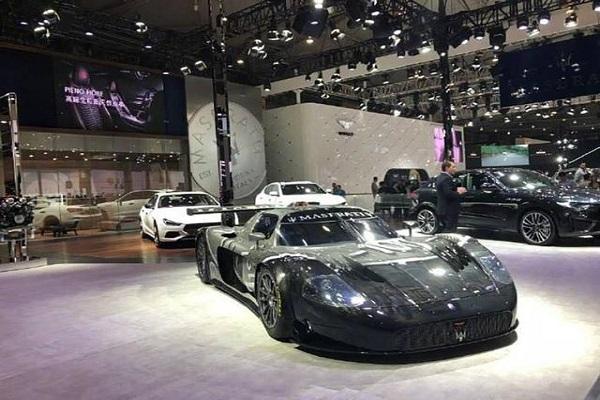 玛莎拉蒂顶级SUV来袭!3.8T双涡轮能输出590马力,还限量销售88台