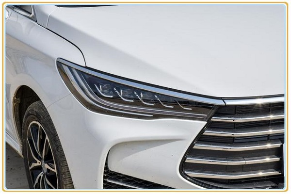 这车仅卖7.99万!标配ESP+远程启动,月销12176