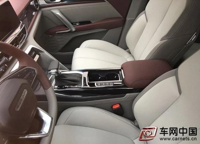 国产全新高颜值SUV实车亮相 比博越帅,满油1000km,还买啥H6
