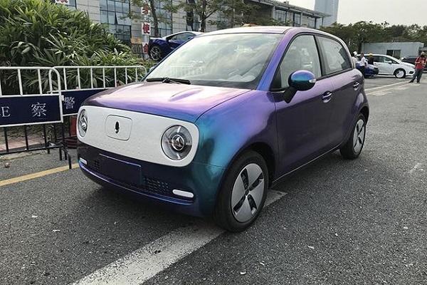 蓝紫渐变和玫瑰金 欧拉R1要做车界巴啦啦小魔仙