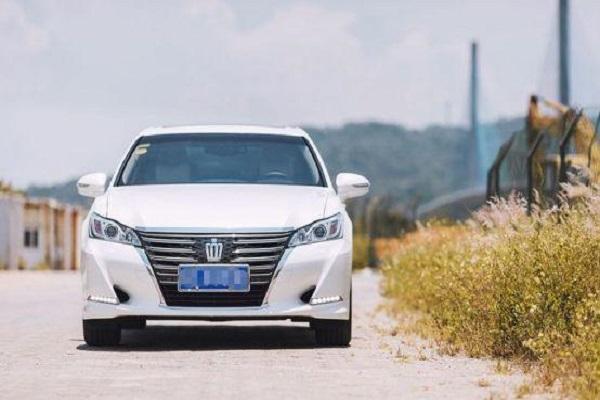 丰田这车降2万仅23.48万,2.0T配8AT,比奥迪A6L