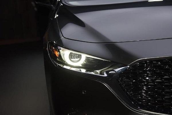 黑马级轿车亮相,奔驰都没它漂亮,油耗仅3L,不