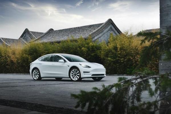 因为电动汽车过于安静,特斯拉竟主动为Model 3安装噪音装备