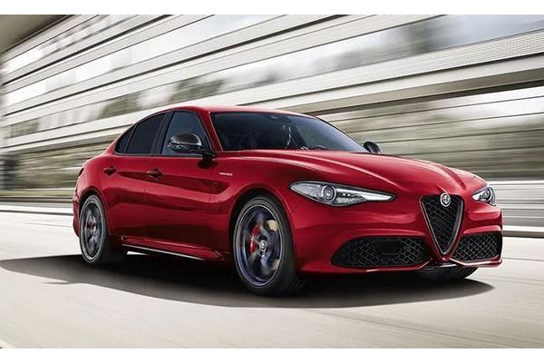 全新阿尔法·罗密欧Giulia上市后,宝马3系就慌
