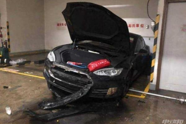 香港一辆特斯拉Model S 自燃,车主:车辆曾因无