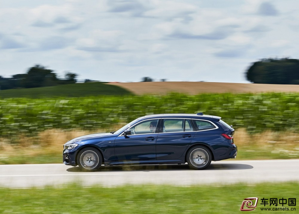 BMW-3-Series_Touring-2020-1600-40