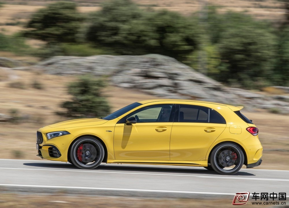 Mercedes-Benz-A45_S_AMG_4Matic-2020-1600-2b