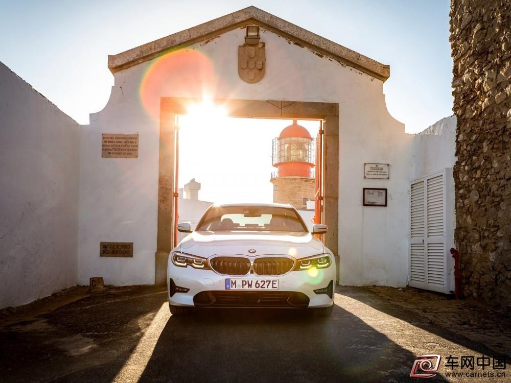BMW-330e_Sedan-2019-1600-44