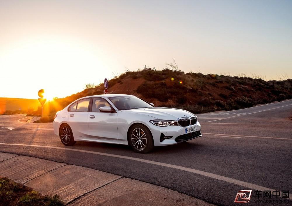 BMW-330e_Sedan-2019-1600-0e