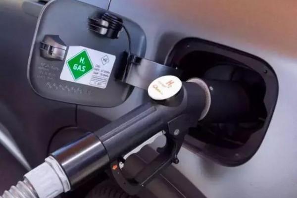 新能源汽车走到半路没电了?8月降幅扩大,销量