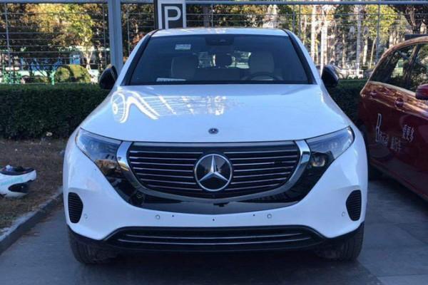 奔驰电动SUV到店实拍!11月份上市起售超55万