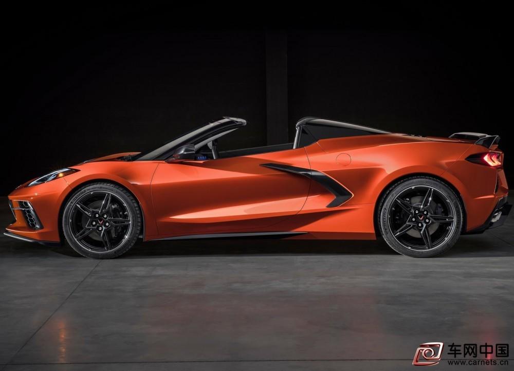 Chevrolet-Corvette_C8_Stingray_Convertible-2020-1600-02