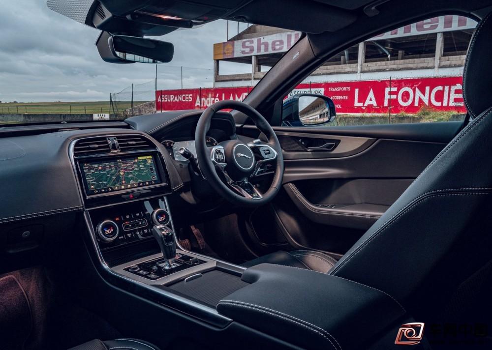 Jaguar-XE_Reims_Edition-2020-1280-2b