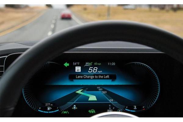 IIHS发布自动驾驶系统安全建议 强调驾驶员应始