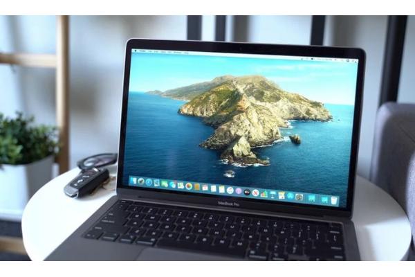 外媒上手13寸新MacBook Pro:键盘和性能是最大亮