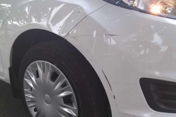 为什么有的车满身刮痕车主却不处理, 修车师傅,