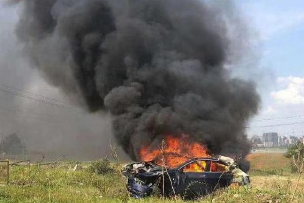 特斯拉回应江西Model 3失控起火:建议等待官方