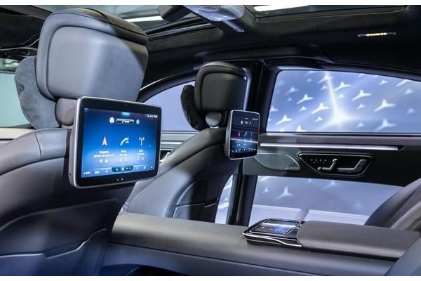 全新一代奔驰S级内饰细节发布 第二代MBUX配5块