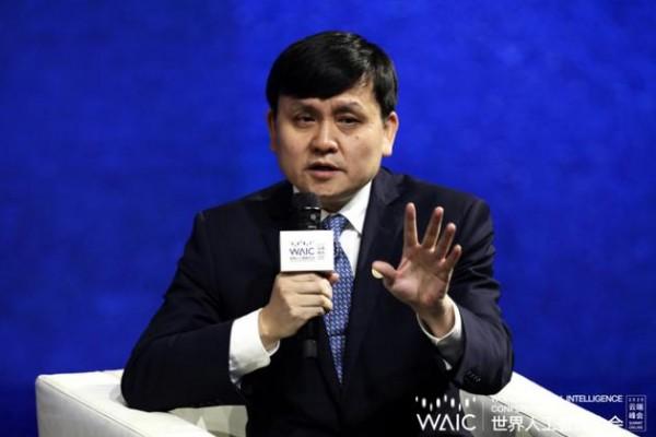 """张文宏:""""熔断""""不是AI 应建立实时数据预警系统"""