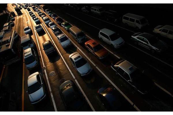 """全球车市""""温差""""明显:中国率先复苏 美欧销量"""