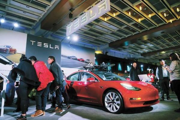 特斯拉上半年靠售卖碳排放积分收入7.82亿美元 2